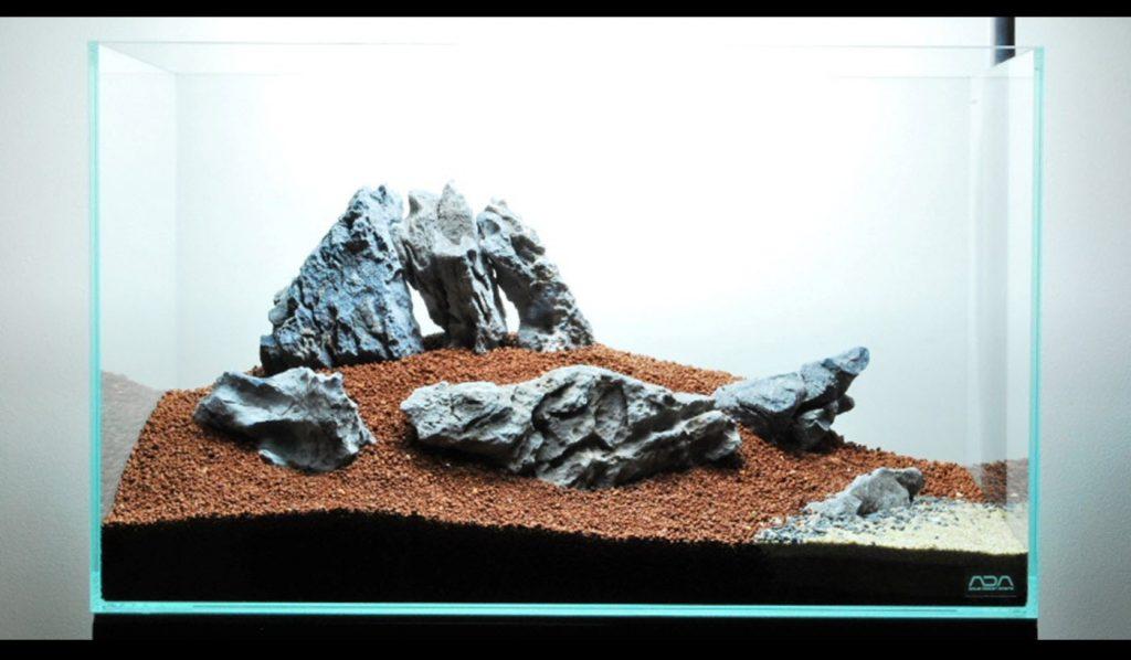 Comment réaliser un paysage aquascape avec collines